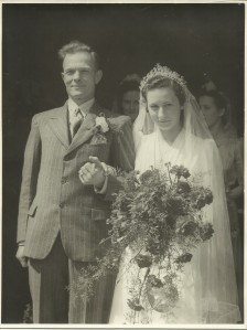 Bill and Mary's wedding 06 July 1946 (2)